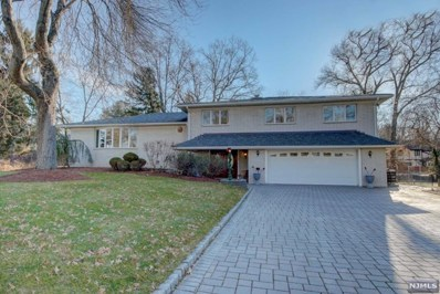 8 PINEWOOD Terrace, Fairfield, NJ 07004 - MLS#: 1851020