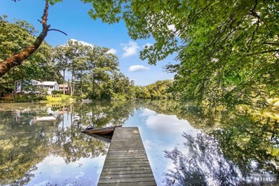 1 LAKEWOOD Drive, Mountain Lakes Boro, NJ 07046 - MLS#: 1901398