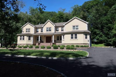 15 TANGLEWOOD HOLLOW Road, Upper Saddle River, NJ 07458 - MLS#: 1927415