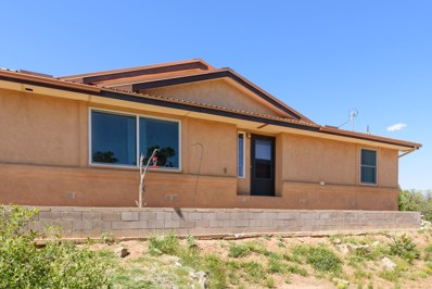 2 Walker Court, Edgewood, NM 87015 - #: 945269