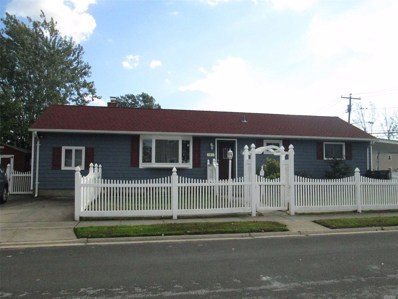 141 E Clearwater Rd, Lindenhurst, NY 11757 - MLS#: 3074426