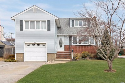 638 Dianne St, Seaford, NY 11783 - MLS#: 3107878