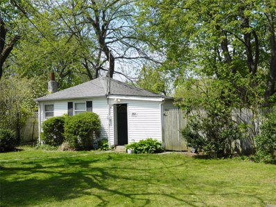 253 E 17th St, Huntington Sta, NY 11746 - MLS#: 3125493