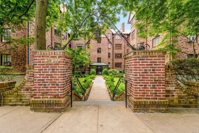 38-30 Douglaston Pkwy, Douglaston, NY 11363 - MLS#: 3153327