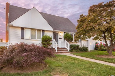 156 Noell St, Levittown, NY 11756 - #: 3154599