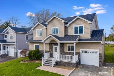 2 Crescent Dr, Old Bethpage, NY 11804 - MLS#: 3175093