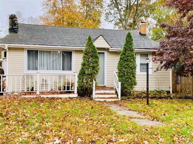 24 Oak St, Lake Grove, NY 11755 - MLS#: 3182753