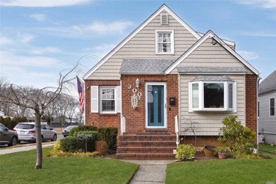 300 Piccadilly Dwns, Lynbrook, NY 11563 - MLS#: 3195664