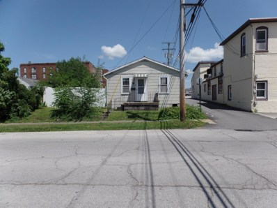 118 WEST Street, Hillsboro, OH 45133 - #: 1636718