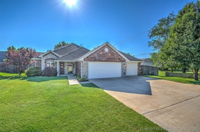 2008 Milford Drive, Bartlesville, OK 74006 - #: 1913027