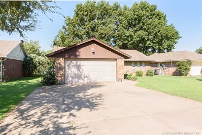 1741 East Drive, Bartlesville, OK 74006 - #: 1922364