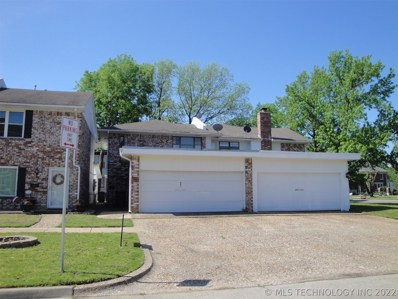 401 E 9th Street, Bartlesville, OK 74003 - #: 1927789