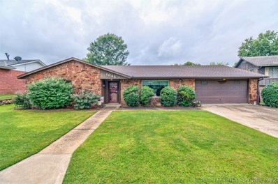 1045 Rolling Meadows Court, Bartlesville, OK 74006 - #: 1934705