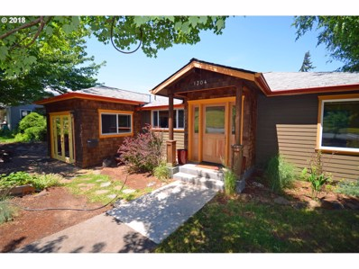 1304 Cascade Ave, Hood River, OR 97031 - MLS#: 18033127