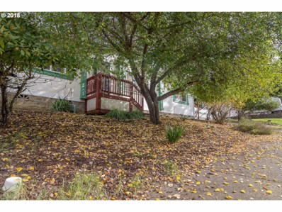 369 SE Ella St, Roseburg, OR 97470 - MLS#: 18037209