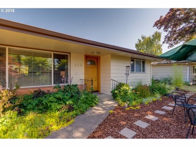 253 NW 14TH St, McMinnville, OR 97128 - MLS#: 18057871