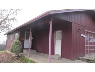242 NW Heard St, Myrtle Creek, OR 97457 - MLS#: 18151993