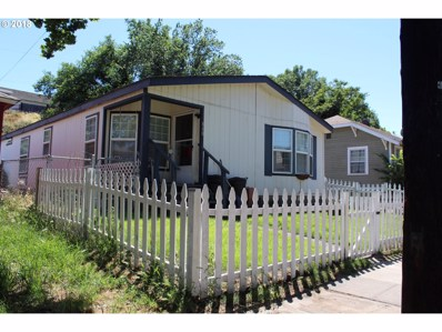 810 E 8TH, The Dalles, OR 97058 - MLS#: 18206510