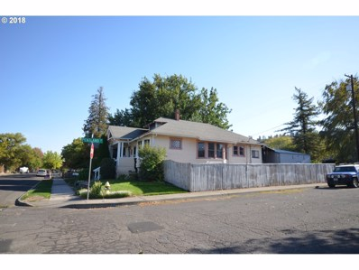 322 W 9TH St, The Dalles, OR 97058 - MLS#: 18242733