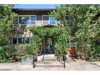 2301 SE Caruthers St UNIT 2, Portland, OR 97214 - MLS#: 18283826