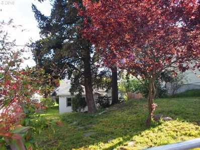 319 W 13TH, The Dalles, OR 97058 - MLS#: 18445663