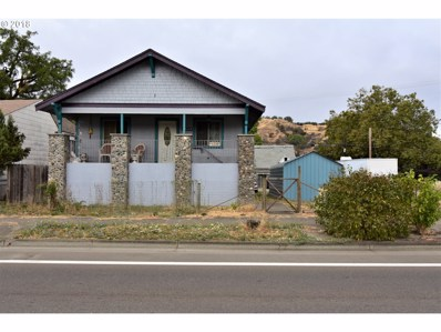 1218 SE Pine St, Roseburg, OR 97470 - MLS#: 18447471