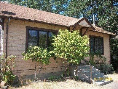 147 SE Hoover Ave, Roseburg, OR 97470 - MLS#: 18590189