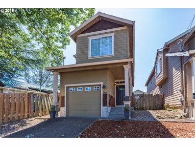 8820 NE Halsey St, Portland, OR 97220 - #: 19452092