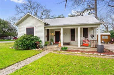 425 Hackberry Street, Lockhart, TX 78644 - #: 5807905
