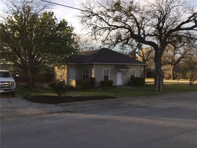 401 W Lake Street W, Krum, TX 76249 - #: 13799438