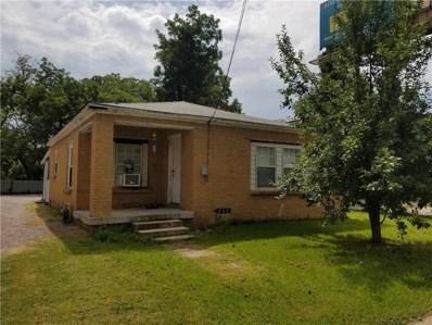 330 N Grand Avenue N, Gainesville, TX 76240 - #: 13838255