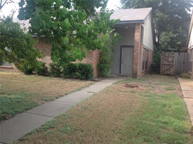 402 W Warrior Trail W, Grand Prairie, TX 75052 - MLS#: 13927080