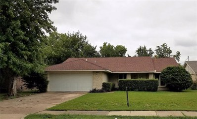 418 W Grenoble Drive W, Grand Prairie, TX 75052 - MLS#: 13936137