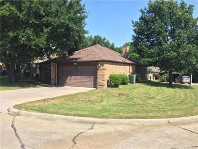 901 Country Club Circle, Grand Prairie, TX 75052 - MLS#: 13941129