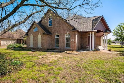 559 E Gee Street E, Pilot Point, TX 76258 - #: 14063055