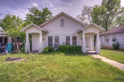 604 E Henderson, Overton, TX 75684 - #: 10080506