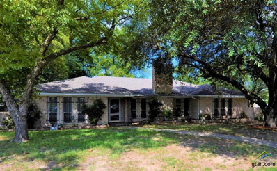 200 Mockingbird, Mt Vernon, TX 75457 - #: 10099116