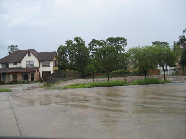 2501  Riverside Drive, 4