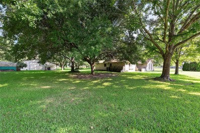 602 Holly Drive, Highlands, TX 77562 - #: 76298292