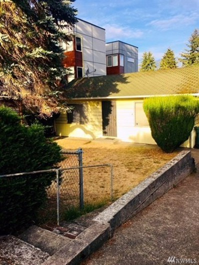 8832 Interlake Ave N, Seattle, WA 98103 - MLS#: 1358790