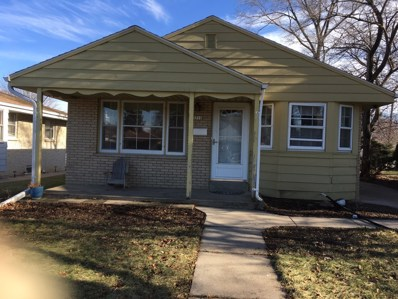3712 S 53rd St, Greenfield, WI 53220 - #: 1617171