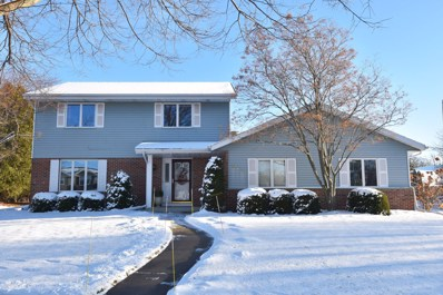817 Barberry Pl, West Bend, WI 53095 - #: 1618667