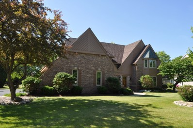 2729 W Woodfield Dr, Mequon, WI 53092 - #: 1621467