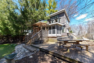 12649 N East Shoreland Dr, Mequon, WI 53092 - #: 1633040