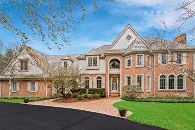 2111 W Columbia Dr, Mequon, WI 53092 - #: 1634074