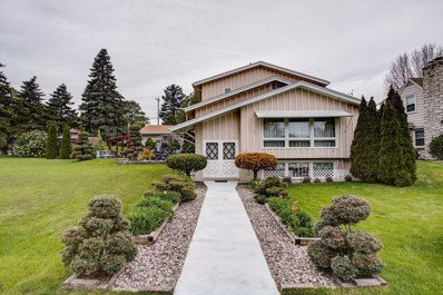 4328 W Anthony Dr, Greenfield, WI 53219 - #: 1634624