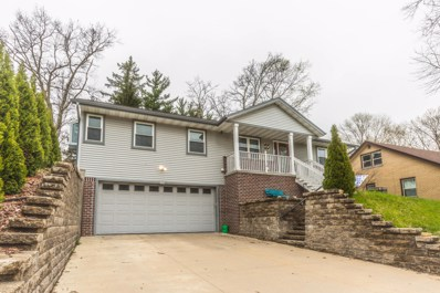 1630 Concord Ln, West Bend, WI 53095 - #: 1635655