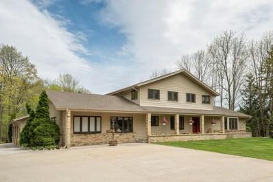 W148N7410 Woodland Dr, Menomonee Falls, WI 53051 - #: 1638345