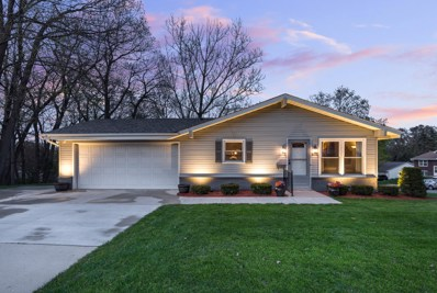 1137 Green Tree Rd, West Bend, WI 53090 - #: 1638348