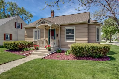 156 E East Ave, West Bend, WI 53095 - #: 1639352